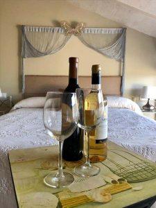 hotel con encanto cerca de granada y sierra nevada extras botella de vino